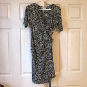 Motherhood maternity size M wrap dress